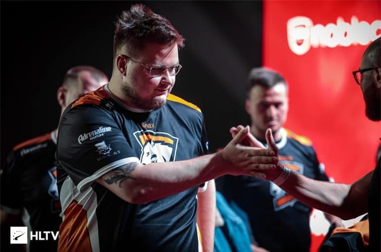 Snax rejoint mousesports